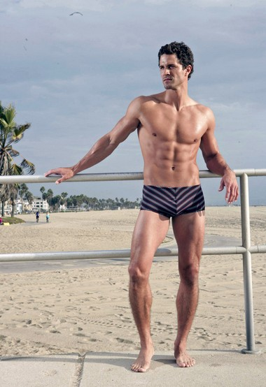 Your Hunk of the Day: Anderson Davis