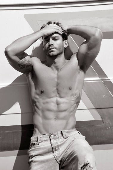 Your Hunk of the Day: Gui Inacio