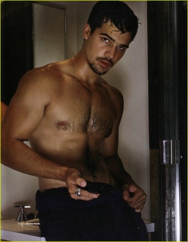 Your Hunk of the Day: Steven Strait