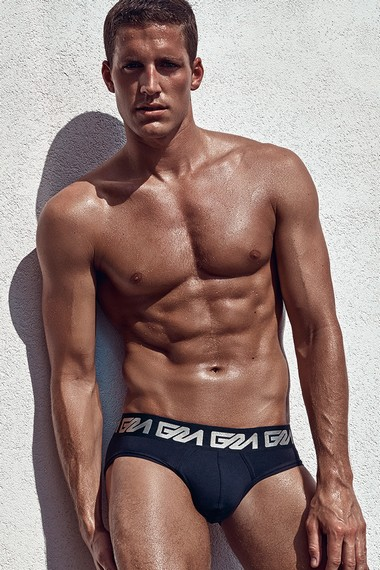 Your Hunk of the Day: Tyler Kenyon